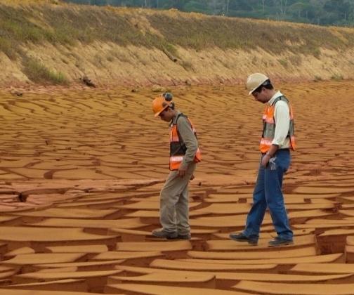 Descaracterização e Descomissionamento de Barragens de Rejeitos