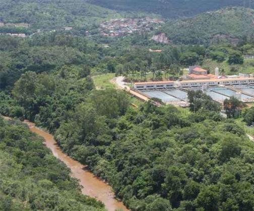 Barragens aumentam incerteza sobre segurança de reserva natural de água na Grande BH