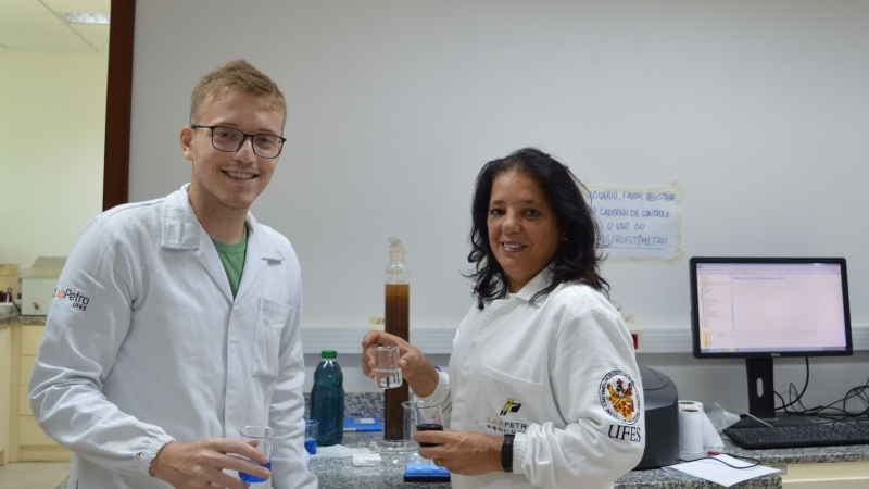 Estudante de Química transforma lama de Mariana em produto para indústria têxtil